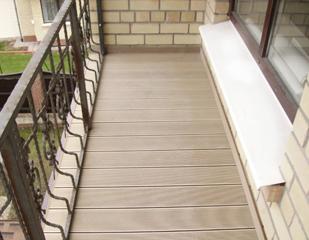 Укладка террасной доски на балконы.